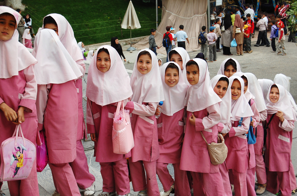 muslim-school-girls-in-iran.jpg