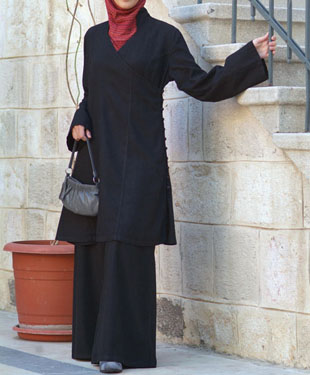 A linen tunic suit from Shukr
