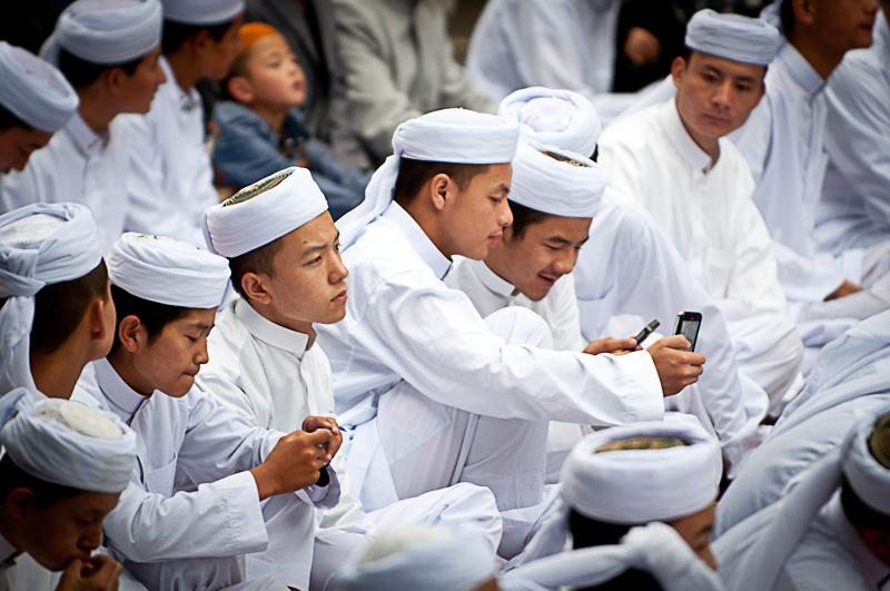 http://www.zawaj.com/wp-content/uploads/2014/07/chinese-muslim-brothers.jpg