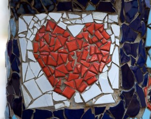 broken heart tiles 300x237 %photo