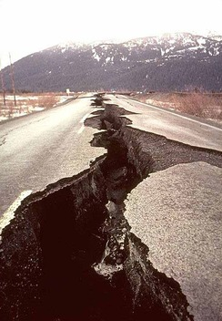 rsz_road-split-open-from-earthquake