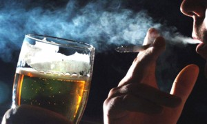 smoking and drinking 300x180 %photo