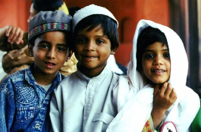 three muslim children %photo