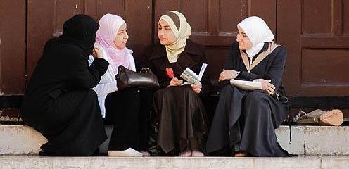 http://www.zawaj.com/askbilqis/wp-content/uploads/2010/12/young-syrian-women-talking.jpg