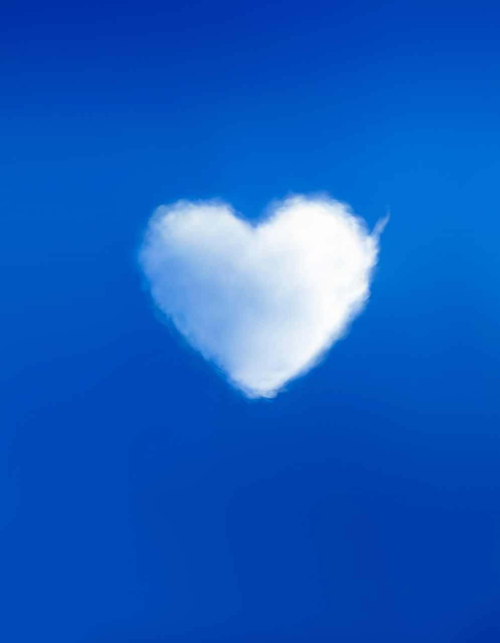 Topic Images_Heart Cloud_YEdgR2U