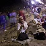 Bosnian Muslim women praying in Ramadan
